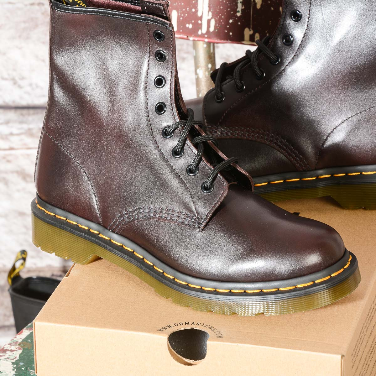 1b779d454239e 1460 Smooth Vintage Red 8 Eye Woman Boots Dr Martens | Omero Abbigliamento
