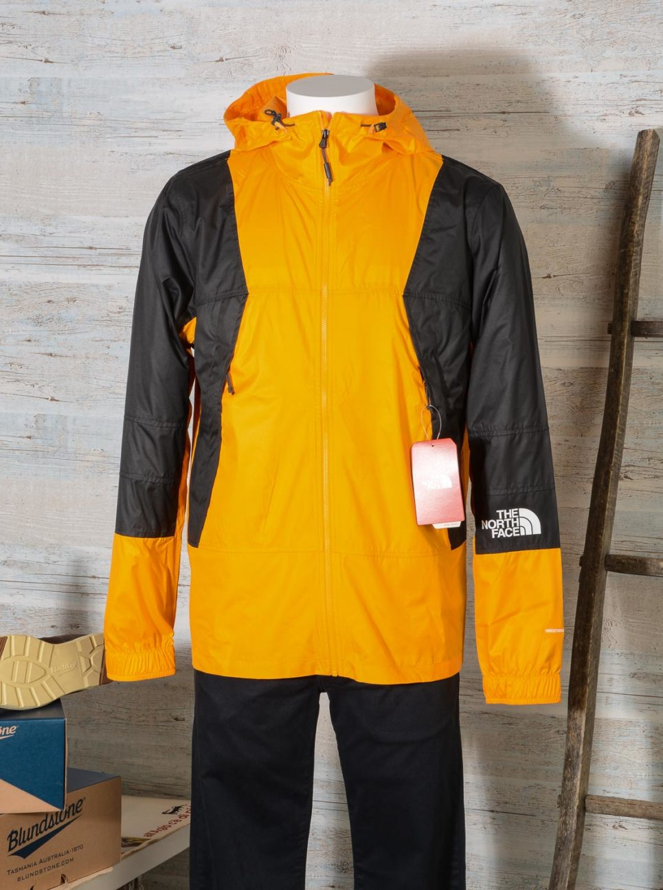 GIACCA a vento UOMO LEGGERA The North Face MOUNTAIN WINDSHELL ZINNIA ORANGE T93RYSH6G -1