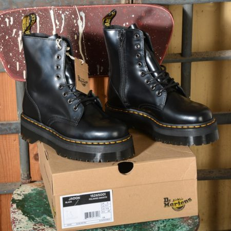 Jadon Black Polished Smooth 15265001 Stivale donna 8 fori Dr Martens