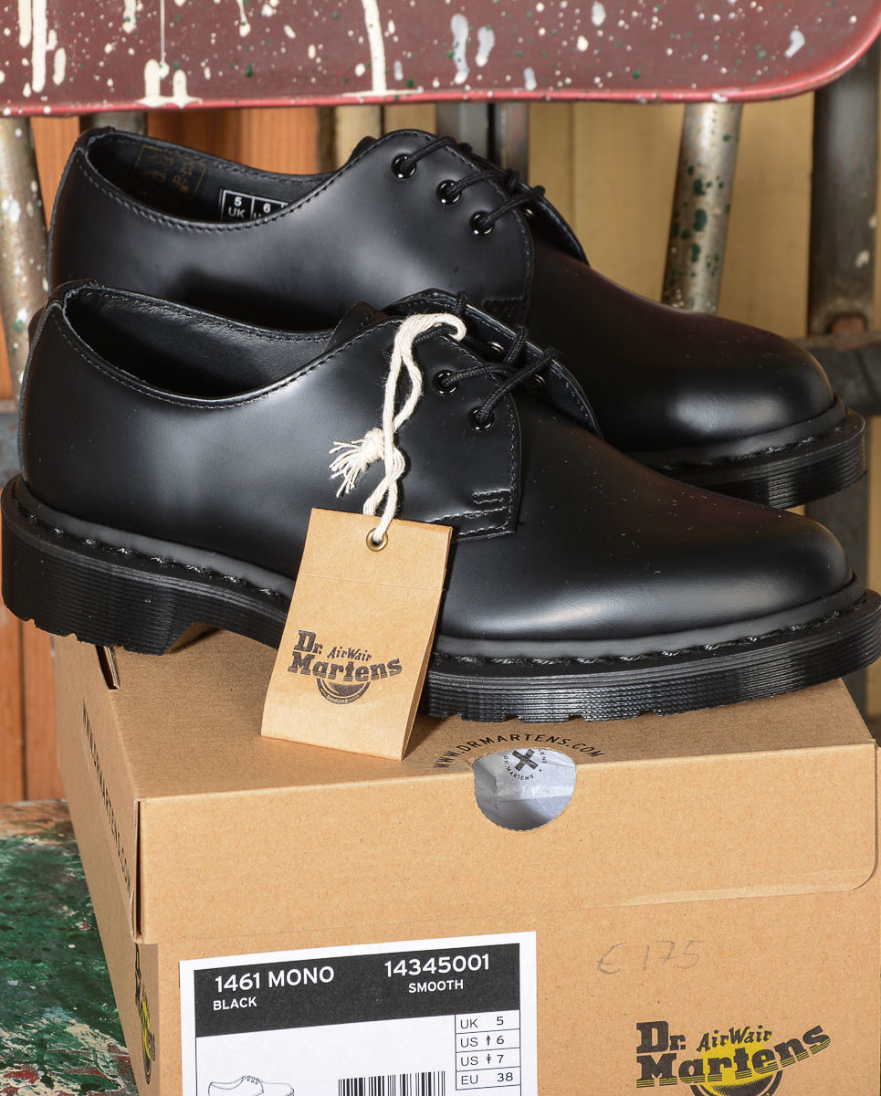 dr martens stringata bassa 1461 MONO BLACK SMOOTH 14345001 -1