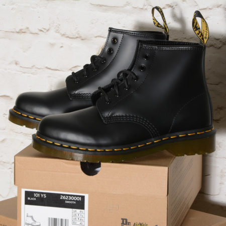 Stivali donna Dr Martens 101 YELLOW STITCH BLACK SMOOTH 26230001