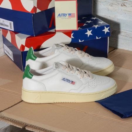 AUTRY Action Shoes Medalist LOW SNEAKERS IN WHITE GREEN LEATHER - AULM LL20